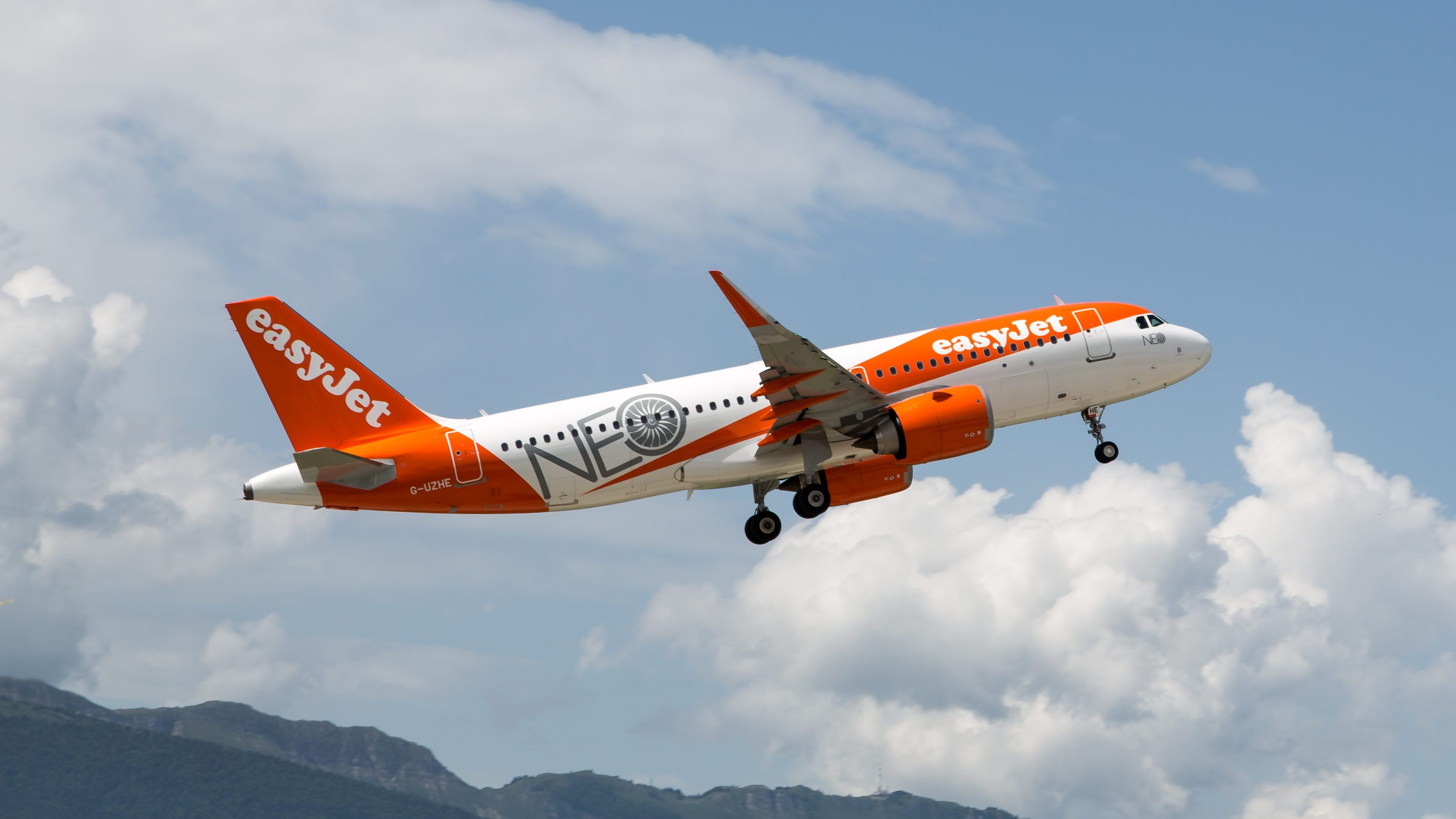 EasyJet orders 17 additional Airbus A320neo   International Flight Network
