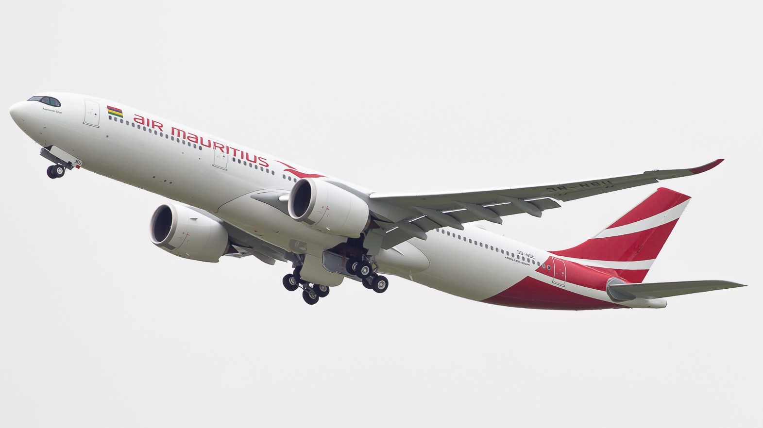First National Fleet And Lease >> Air Mauritius receives its first Airbus A330-900neo ...